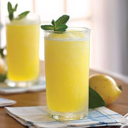 Perfect Lemonade | Louisiana Kitchen & Culture