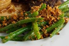 Garlic-Lemon Green Beans with Toasted Bread Crumbs and Parmesan Cheese